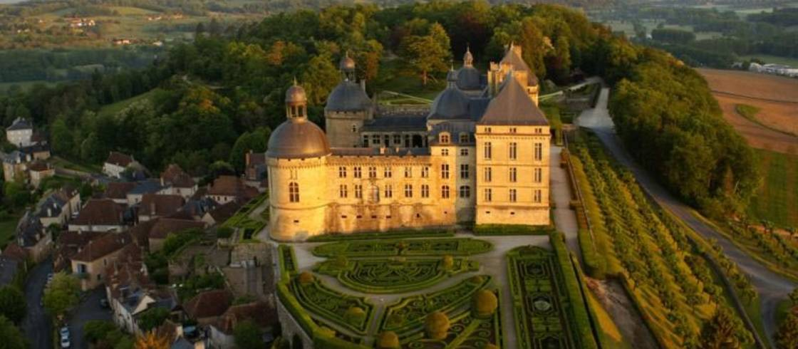 destination-wedding-dordogne-chateau-dhautefort-france
